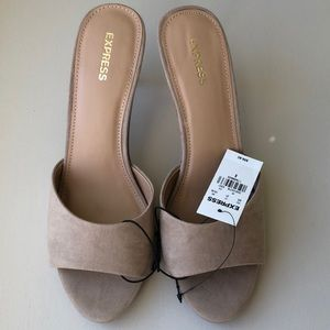 Slip on heels sandals NEW. size 8 EXPRESS